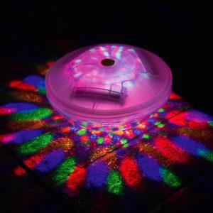 Lumière flottante pour spas gonflables en marche avec différentes couleurs